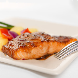 Hawaiian Garlic Salmon